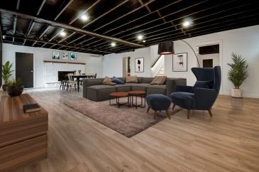 15 210 Seneca Family Room Furnished Listing